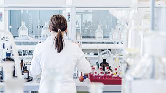 Analyse der Spuren- und Ultra-Spurenwerte im ppb-Bereich mit GDMS
